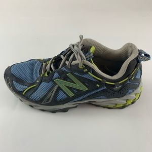 New Balance women's size 7 style: 610 all terrain